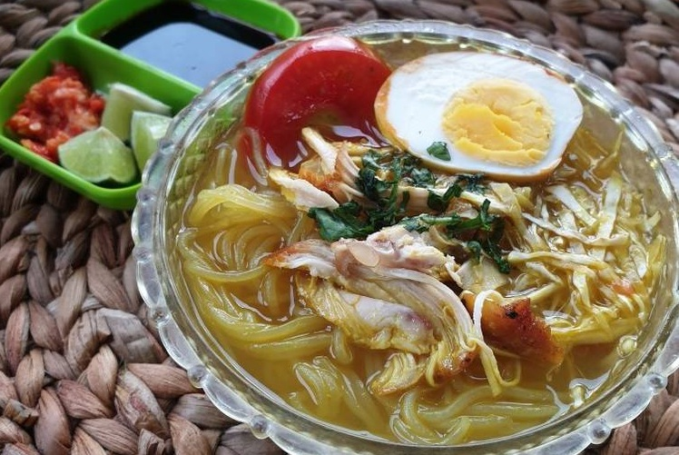 Menu Sahur Praktis Soto Ayam Bening